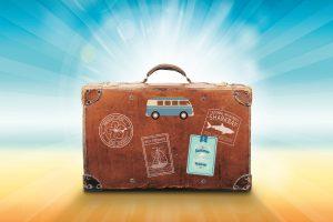 luggage-1149289_1280-300x200 Partire per ricominciare da zero: i 7 passi