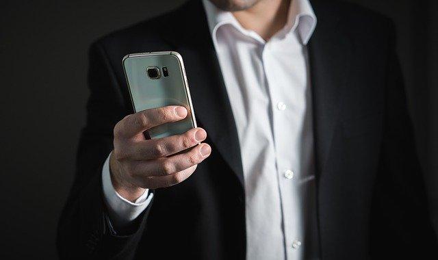 smartphone Come risparmiare su tutto e vivere bene con poco