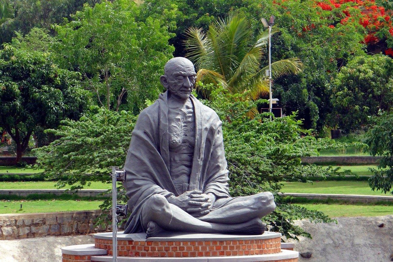 aforismi-gandhi Aforismi Gandhi: 15 frasi di Gandhi