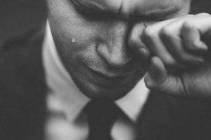 Frasi commoventi: 25 frasi che fanno piangere