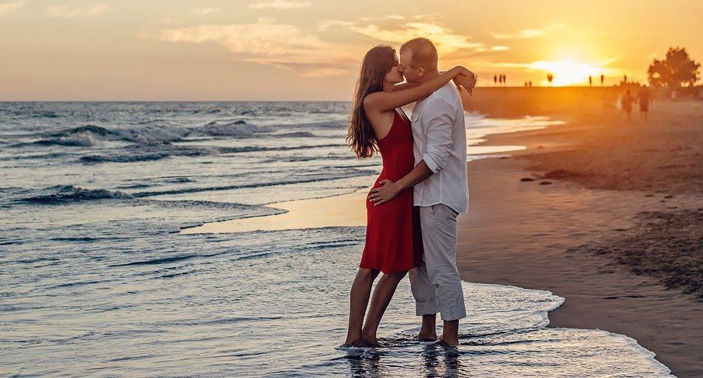 frasi-sull-amore-e-il-mare Frasi sull'amore e il mare: 15 frasi belle sul mare