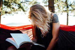 Libri che cambiano la vita: 6 libri introspettivi da leggere nella vita